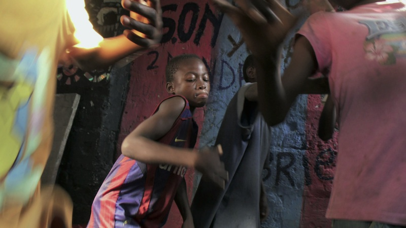 Vous visionnez les images des références : Kinshasa Kids